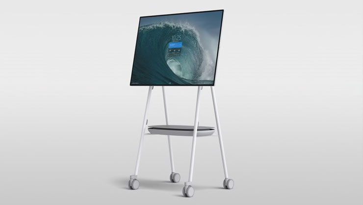 surface-hub-2-steelcase-roam